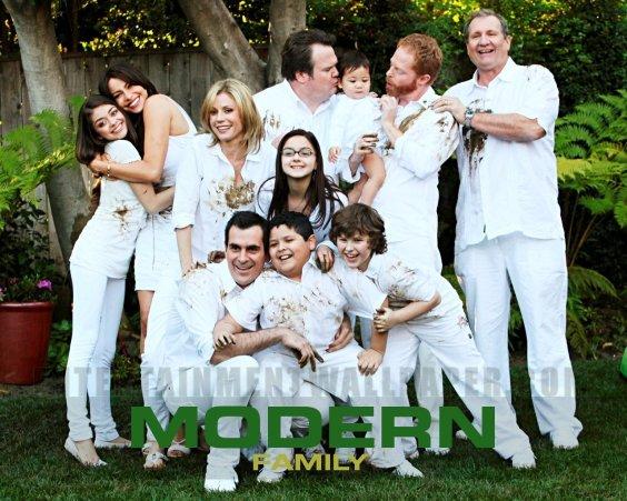 Modern-Family-modern-family-18274804-1280-1024